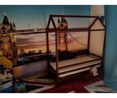 Замечательные детские кроватки в наличии и под заказ.